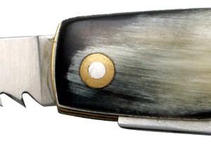 Couteau multifonctions corne